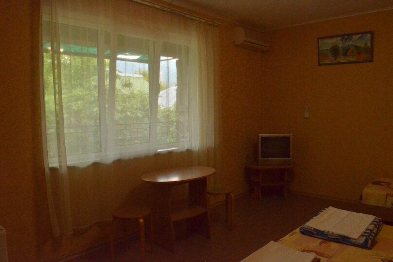 """Гостевой дом """"Уютный дворик"""", Береговая, 4 на 4 комнаты - Фотография 26"""
