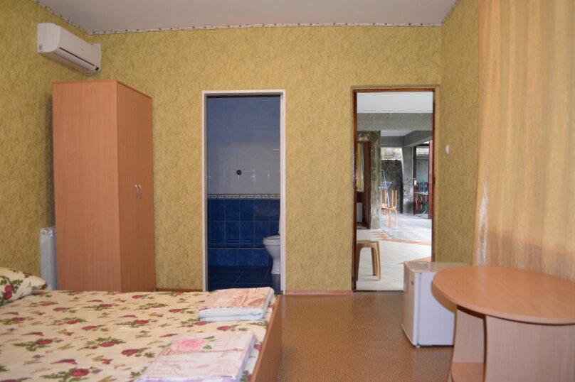 """Гостевой дом """"Уютный дворик"""", Береговая, 4 на 4 комнаты - Фотография 37"""