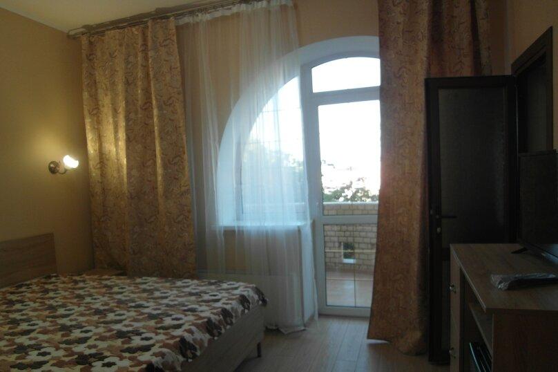 двухместный стандарт с балконом, улица Ленина, 60А, Анапа - Фотография 1