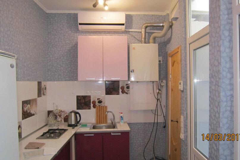 Дом, 60 кв.м. на 4 человека, 1 спальня, улица 15 Апреля, 15, Алушта - Фотография 2