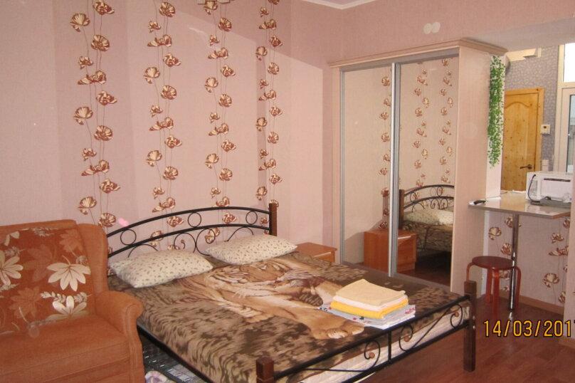 Дом, 60 кв.м. на 4 человека, 1 спальня, улица 15 Апреля, 15, Алушта - Фотография 1