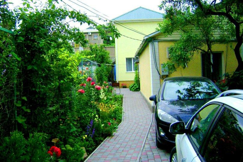 Двухкомнатный дом возле моря, 45 кв.м. на 5 человек, 2 спальни, улица Генерала Бирюзова, 19, Судак - Фотография 1