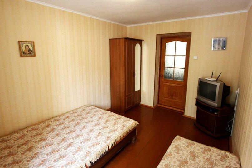 Двухкомнатный дом возле моря, 45 кв.м. на 5 человек, 2 спальни, улица Генерала Бирюзова, 19, Судак - Фотография 2