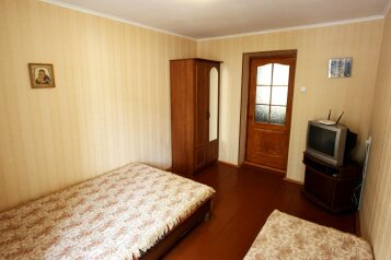 Двухкомнатный дом возле моря, 45 кв.м. на 5 человек, 2 спальни, улица Генерала Бирюзова, Судак - Фотография 2