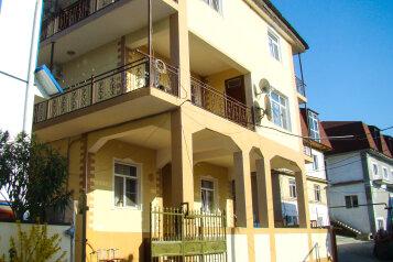 Мини-отель, Православная улица на 18 номеров - Фотография 1