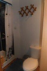Двухэтажный жилой бокс, 60 кв.м. на 4 человека, 1 спальня, Киевская, 1, Ейск - Фотография 4