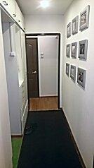 2-комн. квартира, 50 кв.м. на 6 человек, проспект Энтузиастов, Курск - Фотография 2