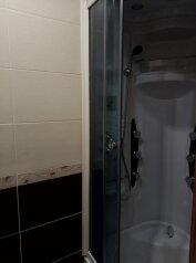 2-комн. квартира, 42 кв.м. на 6 человек, улица 50 лет Октября, Курск - Фотография 3
