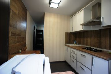 2-комн. квартира, 50 кв.м. на 6 человек, улица Победы, Лазаревское - Фотография 2
