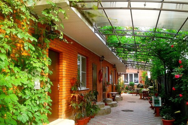 Гостевой дом, Заводская  , 24а на 9 номеров - Фотография 1