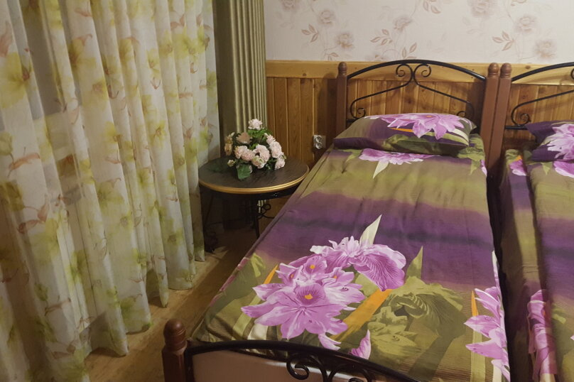 домик 6 местный номер семейный, улица Островского, 134б, Геленджик - Фотография 1