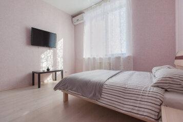 1-комн. квартира, 59 кв.м. на 5 человек, проспект Альберта Камалеева, Казань - Фотография 2