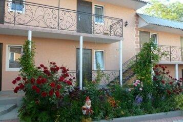 Гостевой коттедж, улица Малышкина на 8 номеров - Фотография 1