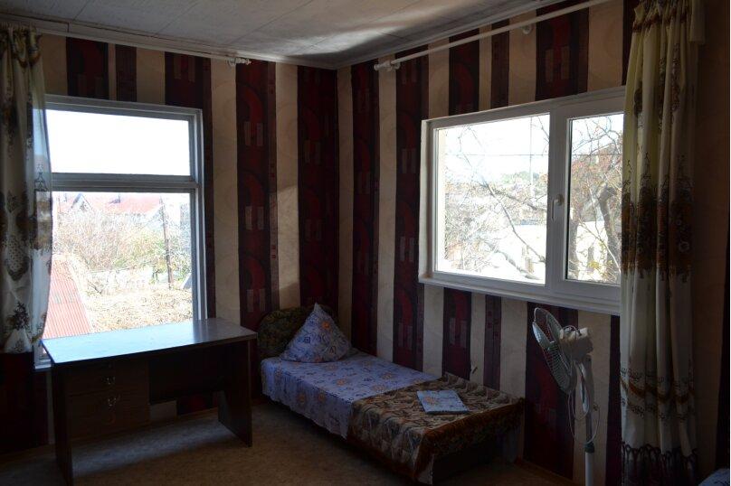 Бюджетный трехместный номер, улица Ленина, 97А, Коктебель - Фотография 1