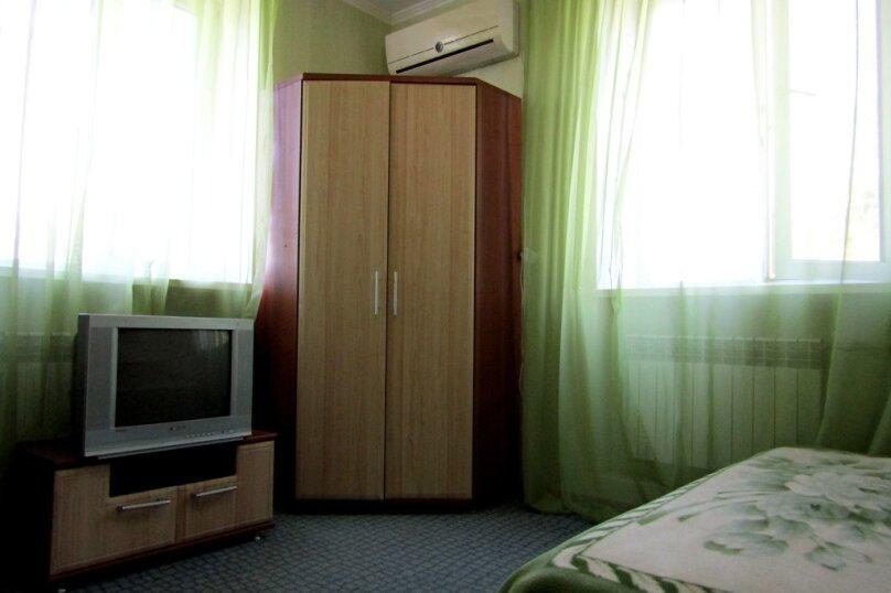 Номер 4х местный 2-й этаж, улица Шевченко, 23, Динамо, Феодосия - Фотография 2