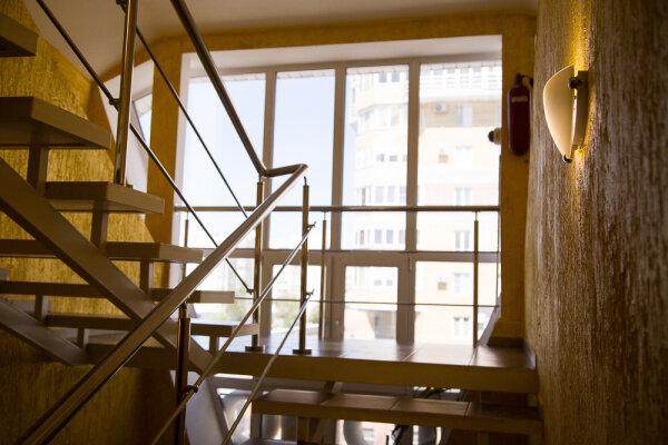 Гостиница, Маяковского, 84 на 13 номеров - Фотография 1