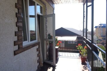 Гостевой дом , Православная улица на 12 номеров - Фотография 1