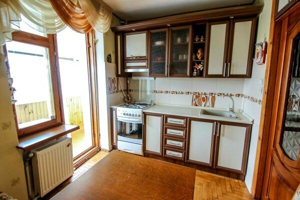 2-комн. квартира, 50 кв.м. на 5 человек, улица Истрашкина, 15, Судак - Фотография 1