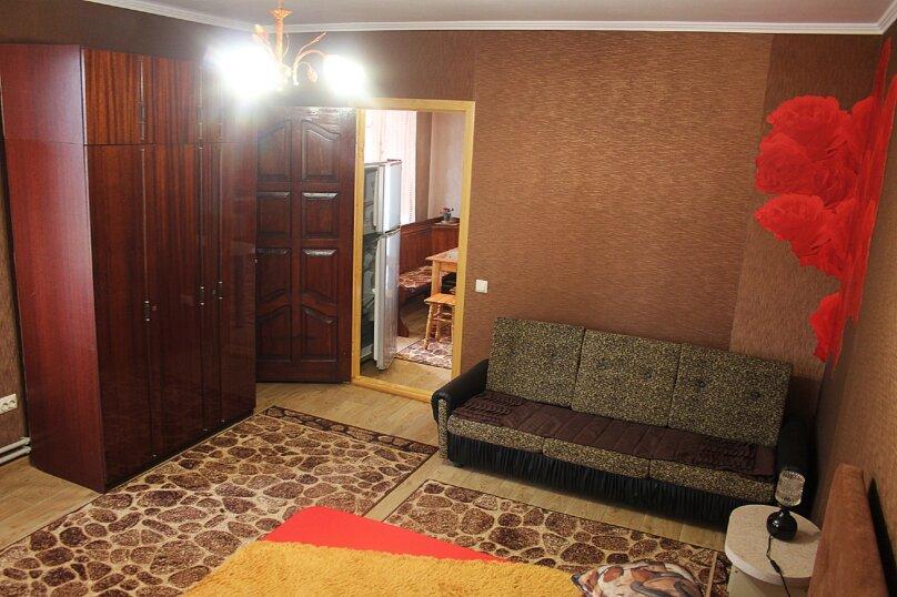 1-комн. квартира, 36 кв.м. на 4 человека, улица Белогубца, 22, Евпатория - Фотография 2