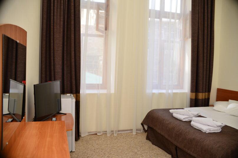 Junior Suite, проспект Айвазовского, 9А, Феодосия - Фотография 1