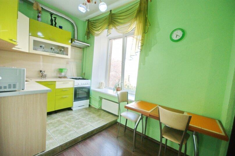 2-комн. квартира, 70 кв.м. на 4 человека, Чистопольская улица, 61а, Казань - Фотография 1