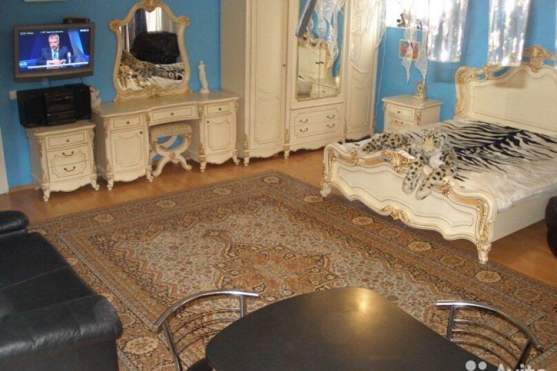 2-комн. квартира, 70 кв.м. на 6 человек, улица Ломоносова, 1, Ялта - Фотография 1