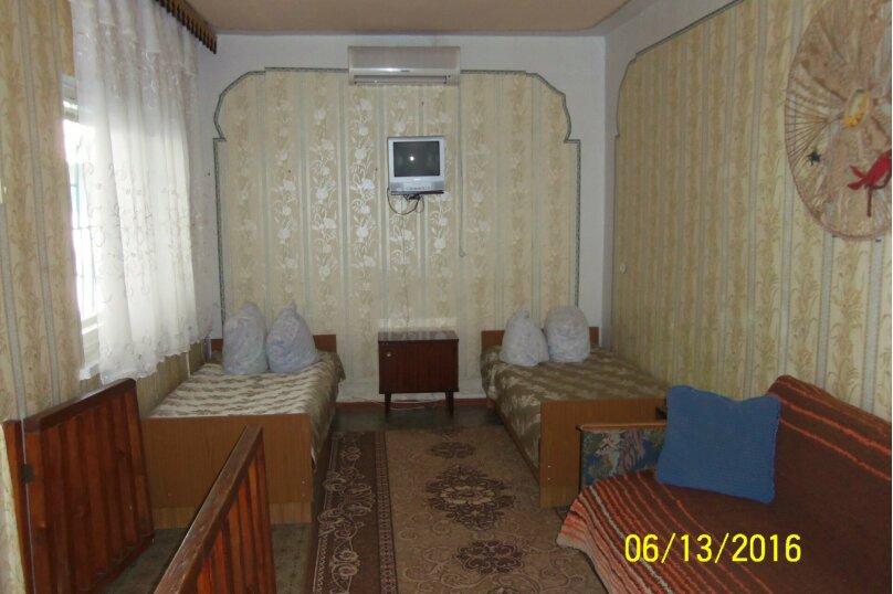 4-х местный с удобствами в номере, Центральная улица, 19, Голубицкая - Фотография 2