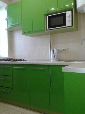 1-комн. квартира, 35 кв.м. на 4 человека, улица Кирова, 33, Керчь - Фотография 1