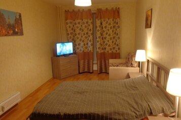2-комн. квартира, 62 кв.м. на 6 человек, улица Николая Рубцова, 13, Санкт-Петербург - Фотография 1