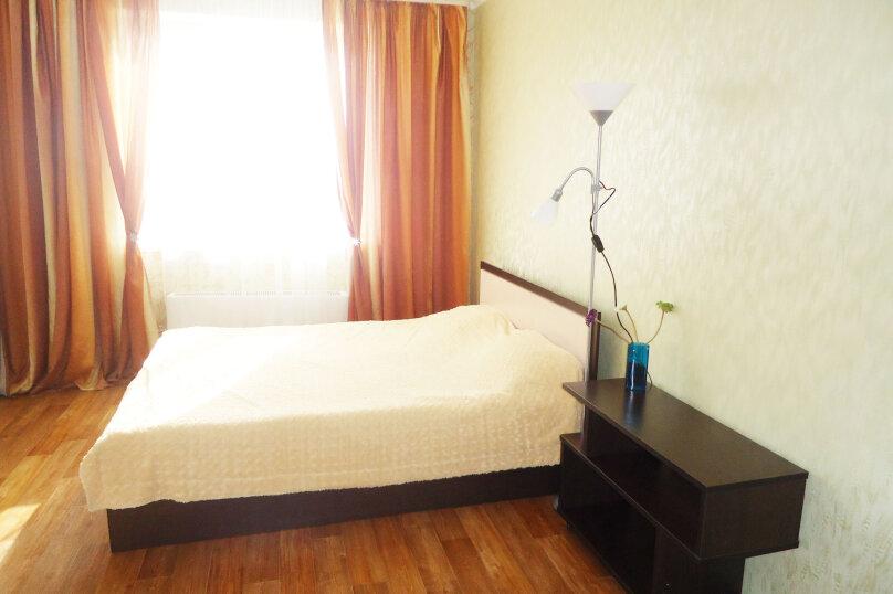 1-комн. квартира, 45 кв.м. на 3 человека, улица Мурата Ахеджака, 4, Новороссийск - Фотография 1