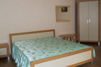 Сдам жилье в Алупке, 35 кв.м. на 5 человек, улица Калинина, Алупка - Фотография 4