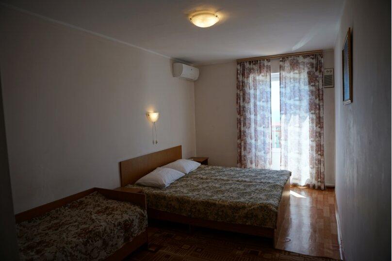 3- ех местный номер с балконом, улица Декабристов, 72 А, Нижнее Учдере, Сочи - Фотография 2