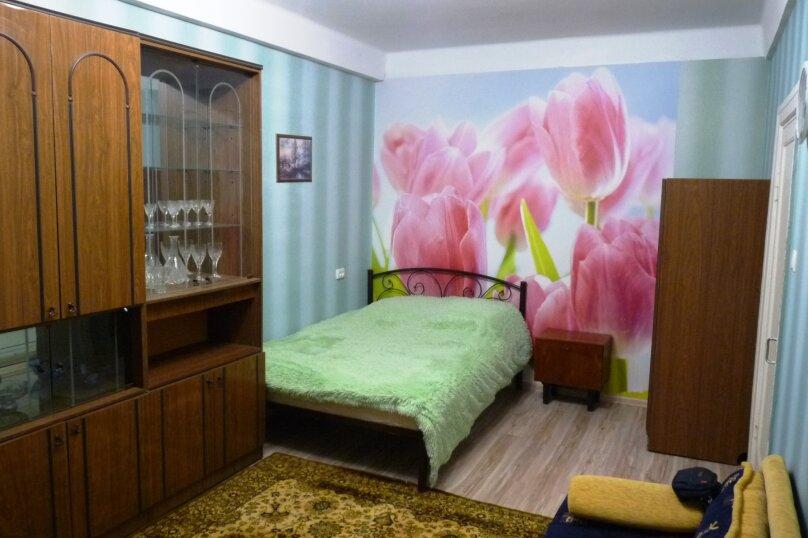 1-комн. квартира, 30 кв.м. на 4 человека, проспект Генерала Острякова, 92, Севастополь - Фотография 1
