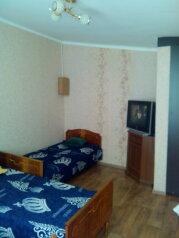 Сдаю дом   под   ключ, 45 кв.м. на 6 человек, 2 спальни, Таврическая улица, Алушта - Фотография 2