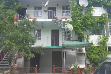 Гостевой дом, Спортивная ул на 7 номеров - Фотография 1