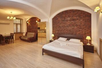 1-комн. квартира, 35 кв.м. на 4 человека, Пушкинская, Санкт-Петербург - Фотография 1