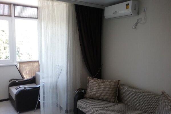 1-комн. квартира, 27 кв.м. на 3 человека, Ревкомовский переулок, 4, Алушта - Фотография 1