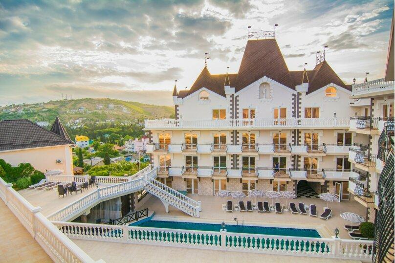 Отель Камелот, улица Алексея Дижа, 18 на 60 номеров - Фотография 1