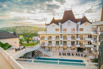 Отель, улица Алексея Дижа на 60 номеров - Фотография 1