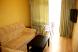 Люкс 2-х комнатный, улица Кирова, Дивноморское с балконом - Фотография 3