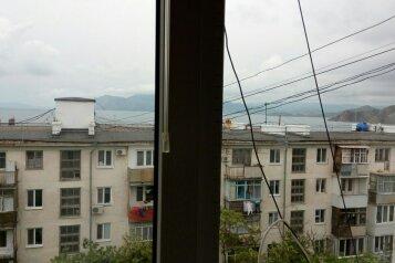 2-комн. квартира, 60 кв.м. на 4 человека, улица Бондаренко, 15, поселок Орджоникидзе, Феодосия - Фотография 2
