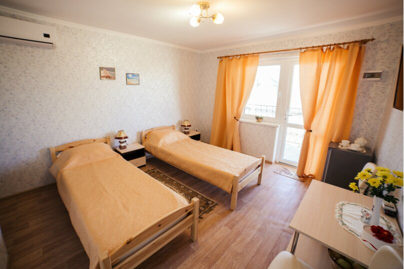 Двухместный номер с 1 кроватью или 2 отдельными кроватями, Школьная улица, 17А, село Золотое - Фотография 1