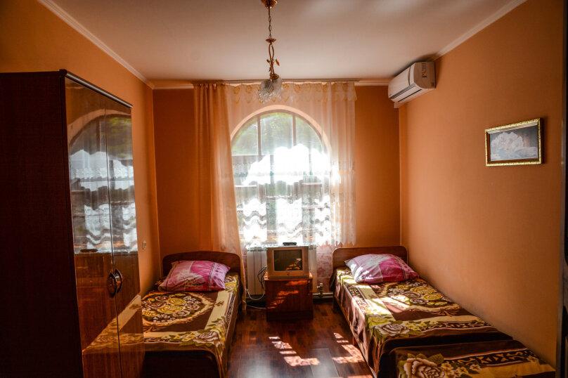 3-х местный с удобствами на этаже, Каштановая улица, 14, Архипо-Осиповка - Фотография 1