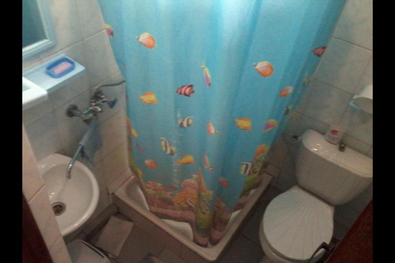 """Гостевой дом """"Коктебель"""", Арцеулова, 13 на 8 комнат - Фотография 17"""