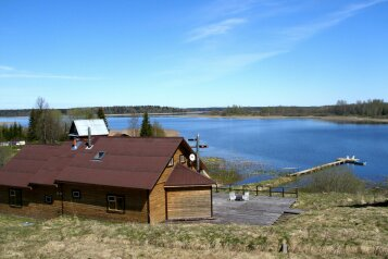 Гостевой дом на Селигере, свой берег, лодка, WIFI, 240 кв.м. на 15 человек, 5 спален, д. Тарасово, Осташков - Фотография 1