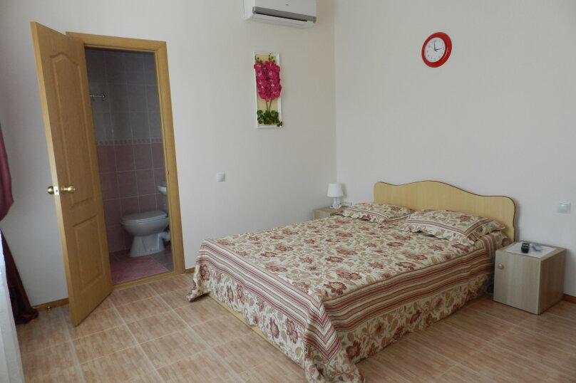 Двухместный номер с 1 двухспальной кроватью, улица Самбурова, 146А, Анапа - Фотография 6