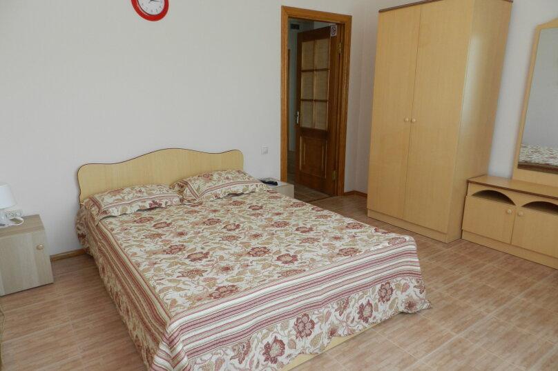 Двухместный номер с 1 двухспальной кроватью, улица Самбурова, 146А, Анапа - Фотография 8