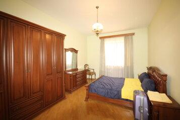 Дом, 1500 кв.м. на 10 человек, 5 спален, переулок улицы Айгедзор, Yerevan - Фотография 3