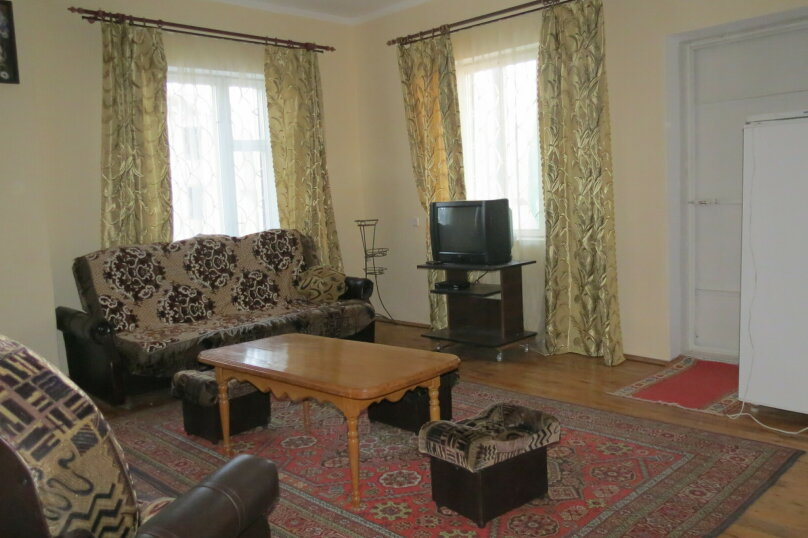Гостевой дом , 100 кв.м. на 9 человек, 5 спален, Гостинный двор, 1, Судак - Фотография 4