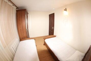 Апартаменты двухкомнатные , 60 кв.м. на 5 человек, 2 спальни, улица Куйбышева, Адлер - Фотография 4